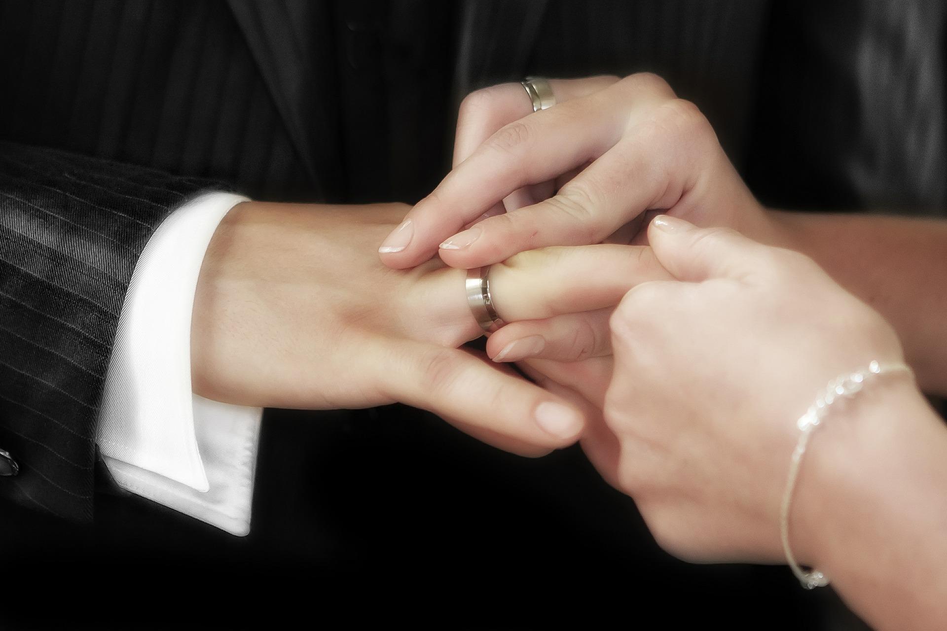 Laat uw trouwring regelmatig controleren op verval bij een goudsmid!